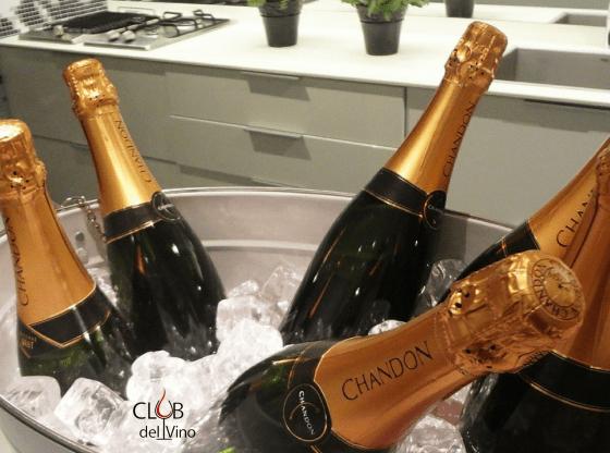 Espumantes e Champagnes a serem abertos com Sabrage