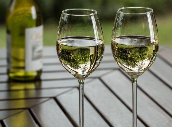 Vinho branco inferior A chardonização do mundo