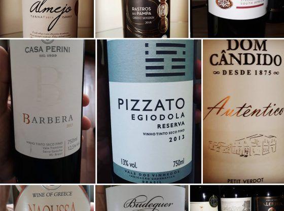 Vários rótulos de vinho