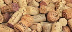 sugheri di bottiglie di vino