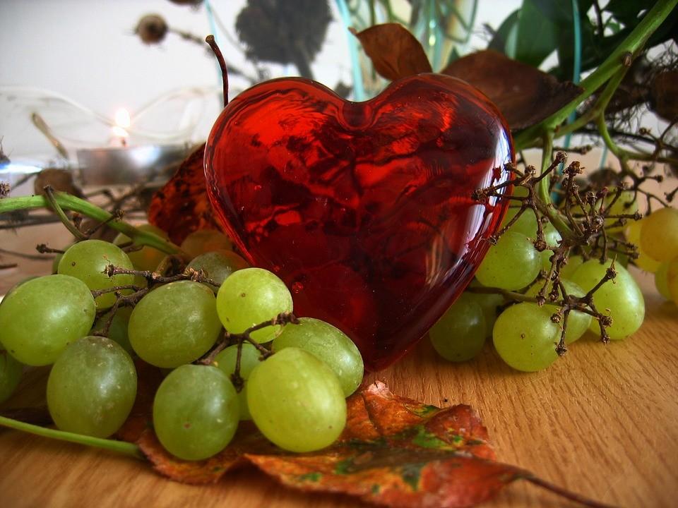 frutta a tavola per San Valentino
