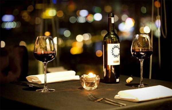 San Valentino e Vino per una cena romantica